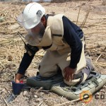 Deminer_landmine_clearance_mine_shoes